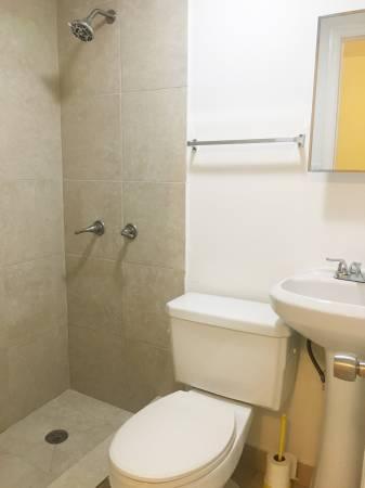 $850 / 1br – One Bedroom Efficiency / Studio Recently Updated Great SW Area Miami (5835 SW 4 St)