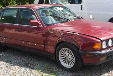 1990 BMW 735iL Luxury Model Car – $450