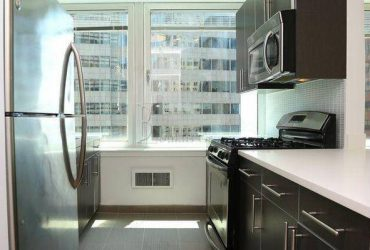 $3900.00 / 3br – WATER VIEWS____OPEN KITCHEN___WALK IN CLOSET____ONE MONTH FREE (Financial District)