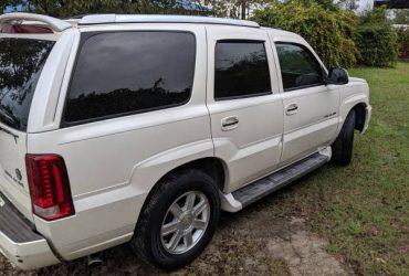 2005 Cadillac Escalade – $3900