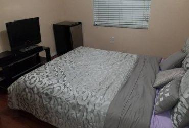 $500 Rento habitación en Country Club Estates (Hialeah)