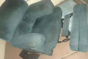 Free recliner (Curry Ford Rd OPEN till 11 pm) ORLANDO