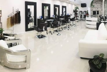 FRONT DESK for HAIR SALON in Coral Gables! (Coral Gables)