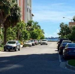 $160 SHARE BEDROOM IN HOUSE // BEST LOCATION OF MIAMI (MIAMI)