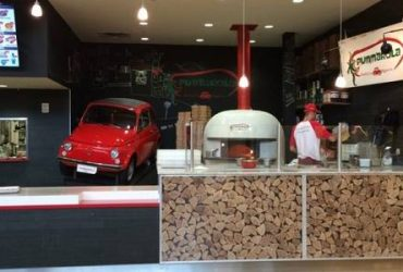 Pummarola Pastificio Pizzeria (Cook, Food Runner) (The Falls Shopping Center)
