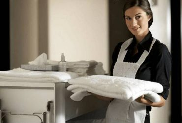 HOUSEKEEPING CLEANING HOUSEKEEPERS FOR HOTEL / MOTEL (HOLLYWOOD DANIA BEACH FORT LAUDERDALE)