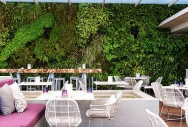 Juvia SOBE is hiring!Server Assistant, Bartender,reservation,Line cook (Miami Beach)