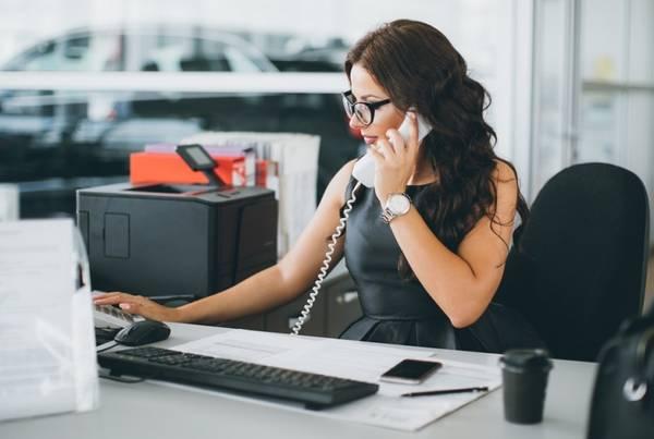 SALES ASSOCIATE – desk position- Full Time (Miami Gardens)