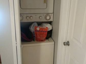$850 Girl roomate wanted !! Private bed.& bath. (Coconut Grove)