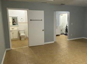 $1000 Efficiency for rent (Miami)
