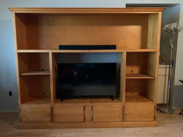 Entertainment Center (Lockhart/ Orlando)