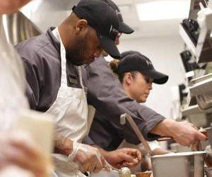 🌟Great Pay/Benefits🌟 Cooks, Dishwasher at Cooper's Hawk! (Orlando – 8005 International Dr)