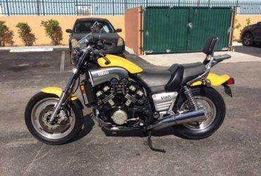 Yamaha vmax 1200 – $3500 (Hialeah Gardens)