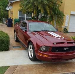 Ford Mustang 2008 – $5400 (Homestead)