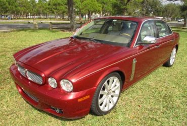 2008 Jaguar XJ Vanden Plas Sedan Clean Carfax Inspected & Serviced ($1550 Down Payment)(Sunrise)
