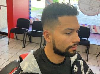 !! BARBER WANTED!! SE NECESITA BARBERO (Hallandale)