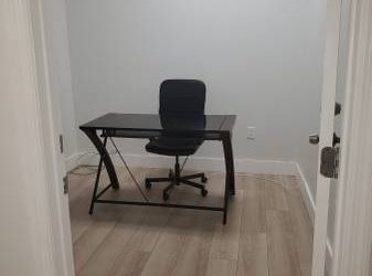 $450 Office Space (Doral)