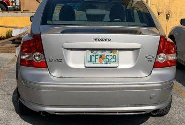 2005 Volvo S40 clean title, good condition, a/c – $1799 (Miami)