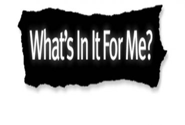 WHATS IN IT FOR YOU? YOU GET $14 PER HOUR + CASH BONUSES PAID DAILY (CONSISTENT WEEKLY PAY + COMMISSION)
