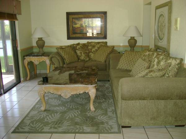 $800 Large Room in Shared Home $800 w/1yr Lease (West Palm Beach)
