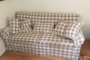 Free Pull-Out Couch (Greenpoint)