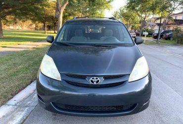 Toyota Sienna 2006 – $2850 (Homestead)