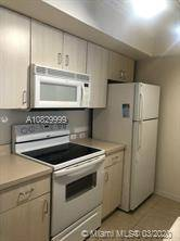 $1400 / 1br – GREAT 1 BED 1 BATH UNIT IN THE BEAUTIFUL PEMBROKE PINES (Pembroke Pines)