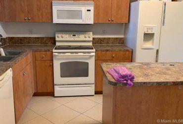 $1375 GREAT 3 BEDROOM, 2.5 BATH TOWNHOUSE (RIVIERA BEACH)