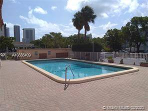 $1200 / 1br – Affordable furnished apartment in the Heart of Hallandale BeacH (Hallandale Beach)