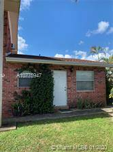 $1075 / 1br – Great 1/1 apartment!, centrally located in the Town of Davie. (Davie)