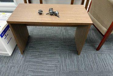 Free Desk/stand (Jacksonvill)