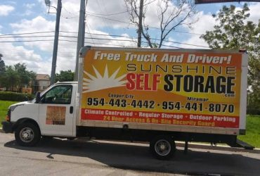 2010 Chevrolet Express G3500 15' Box Truck – $15000 (Cooper City)