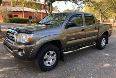 2009 Toyota Tacoma Prerunner SR5 **MINT CONDITION** – $15900 (6909 Blanding Blvd Jacksonville FL)