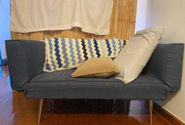 Wayfair couch futon (twin) (Financial District)