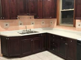 $1400 2nd floor 3 bedroom apartment for rent (Hermosa Park)