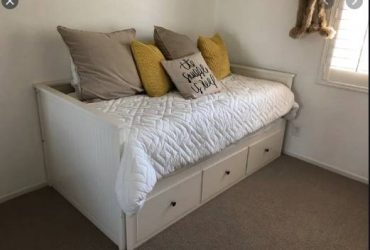 $650 Private room only for Female (Charleston)