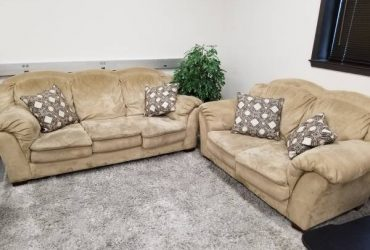 FREE COUCHES ( clean, from non-smoke family) (Dallas)