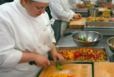 Professional chefs, bartenders and waiters (Brooklyn)