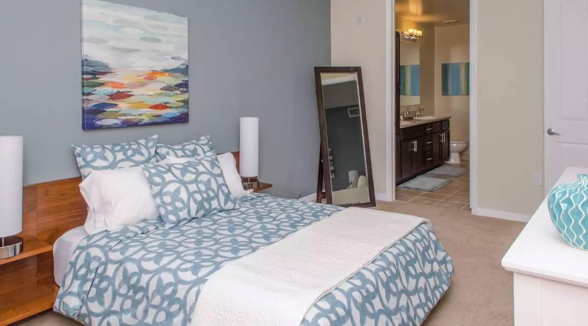 $1515 / 718ft2 – Simply beautiful 1 bed / 1 bath in prime Sunrise neighborhood (Sunrise)