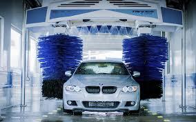 Hiring Car Wash Attendants!! (Tampa)