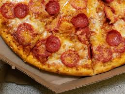 NOW HIRING!!! Pizza-Maker and Driver (Dadeland area) (Miami)