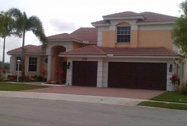 $790 Beautiful Furnished bedroom at Luxury Community (Pembroke Pines)