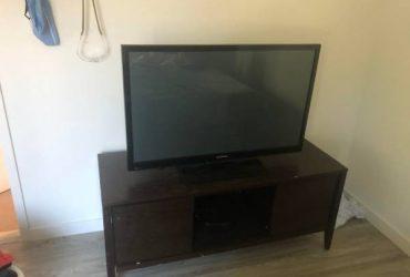 TV stand (White Plains)