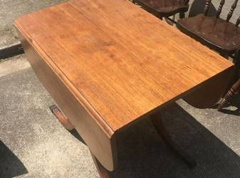 table and 4 chairs (North Durham)