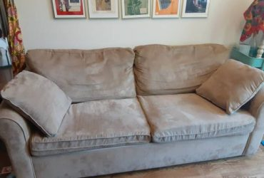 Sleeper sofa couch (Crown heights)