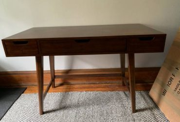 Wood desk with drawers (Brooklyn park slope)