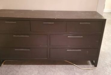 $250 Dresser for FREE (Clinton Hill)