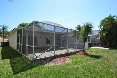 $1700 / 3br – 1738ft2 – Single family home (4961 Pelican St Coconut Creek, FL 33073)