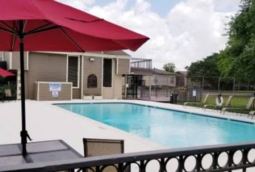 $1040 / 2br – 937ft2 – Works With A Recent Broken Lease (Pearland)