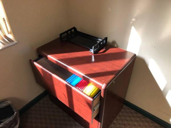 Office Desk and Chairs (West Palm Beach)